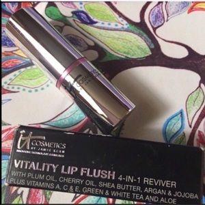 NEW IT Cosmetics Vitality Lip Flush